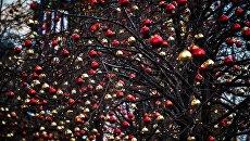 Новогоднее украшение на улице Москвы. Архивное фото
