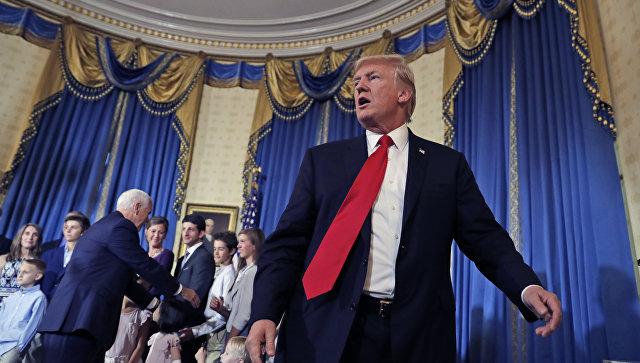 Дональд Трамп в Синей комнате Белого дома в Вашингтоне. Архивное фото