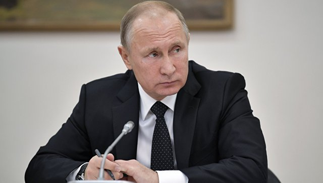 Путин подписал закон онаблюдателях отОбщественной палаты навыборах президента