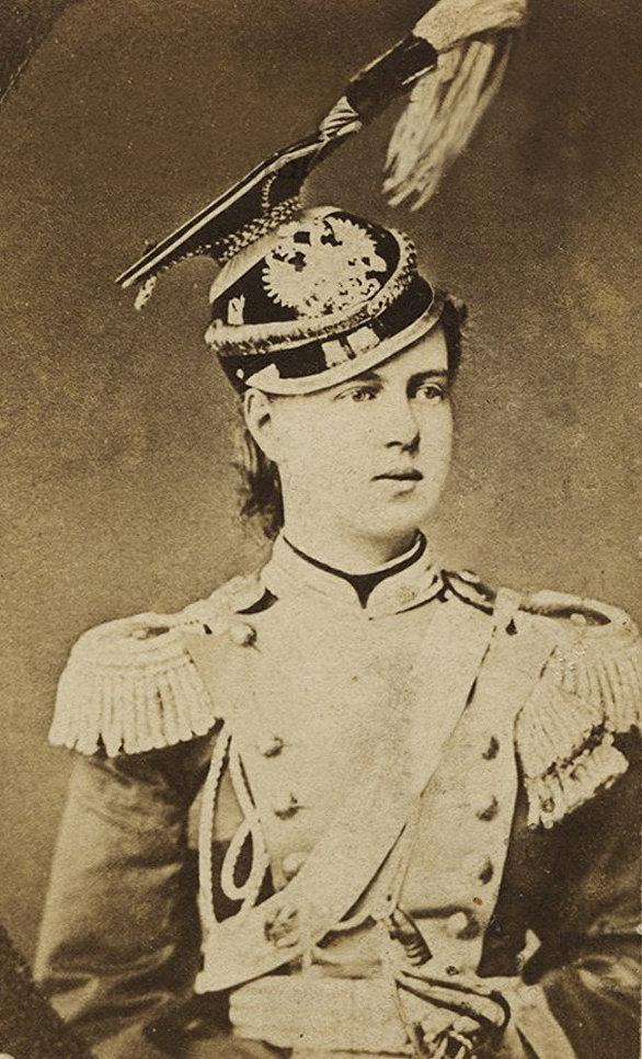 Великая княжна Мария Александровна в форме 14-го уланского Ямбургского полка. Ателье Везенберг