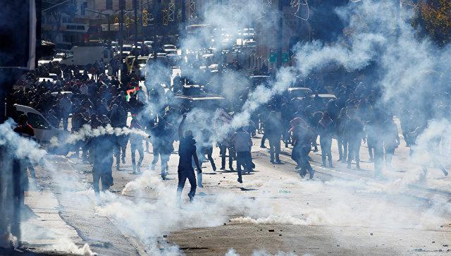 Награнице Израиля иПалестины начались столкновения протестующих своенным