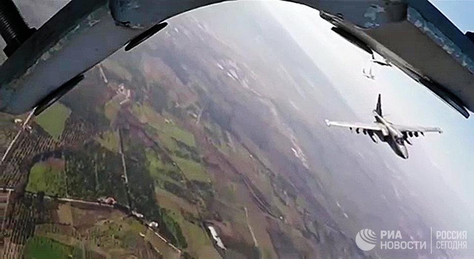 Боевые вылеты самолетов Су-25 ВКС России с авиабазы Хмеймим в сопровождении сирийских самолетов МиГ-29