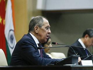 Министр иностранных дел Сергей Лавров на пресс-конференции, Нью-Дели. 11 декабря 2017