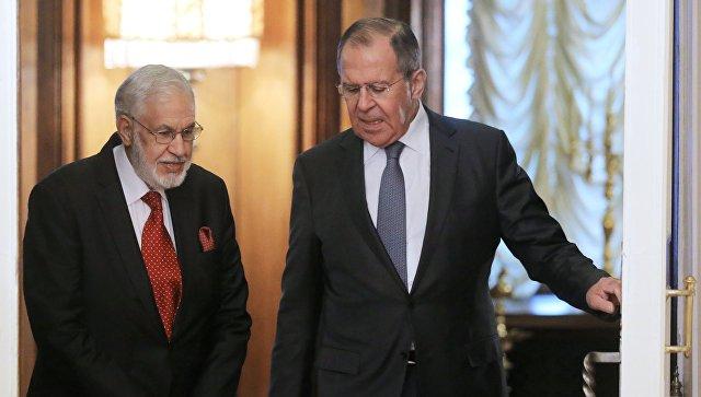 Сергей Лавров и министр иностранных дел Ливии Мухаммеда Сиялы во время встречи в Доме приемов МИД России. 12 декабря 2017