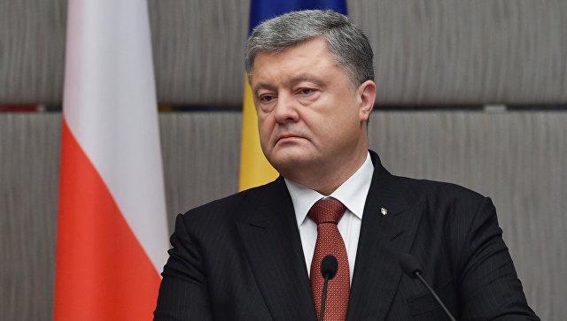 Президент Украины Петр Порошенко на пресс-конференции по итогам переговоров с президентом Польши Анджеем Дудой. 13 декабря 2017. Архивное фото