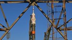 Ракета-носитель Союз-ФГ с транспортным пилотируемым кораблем Союз МС-07 на стартовой площадке космодрома Байконур. 15 декабря 2017