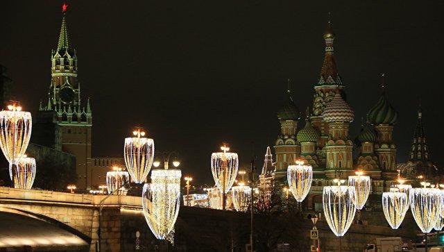 Впарке Победы наПоклонной горе установили огромные  светящиеся скульптуры