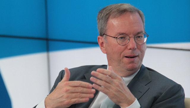 Руководитель  владеющей Google компании Alphabet Эрик Шмидт покинул пост