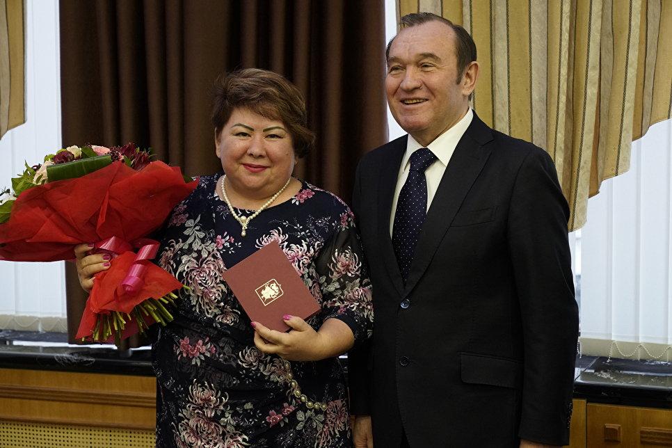 """Мэрия в День энергетика наградила сотрудников """"Мосэнерго"""""""