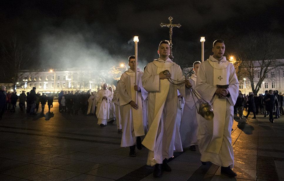 Рождественская месса в Кафедральном соборе в Вильнюсе, Литва