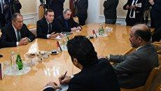 Сергей Лавров и лидер сирийского оппозиционного движения Сирия завтра Ахмед аль-Джарба во время встречи. 27 декабря 2017