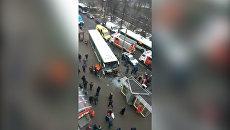 Автобус сбил людей у метро Сходненская в Москве. Кадры с места ДТП
