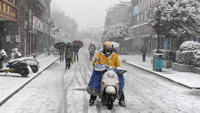 На Китай обрушились сильные снегопады, есть жертвы