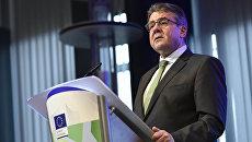 МИД Германии Зигмар Габриэль в Брюсселе на конференции по бюджетным вопросам ЕС. 8 января 2018