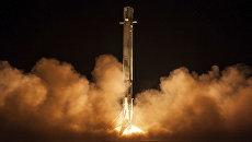 Запуск ракеты Falcon 9. Архивное фото
