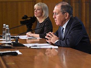 Глава МИД РФ Сергей Лавров и официальный представитель МИД  РФ Мария Захарова. Архивное фото