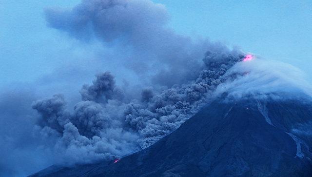 Из-за извержения вулкана наФилиппинах уже эвакуировали около 40 тыс. человек