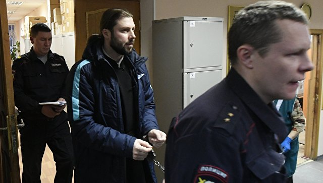 Священник Глеб Грозовский, обвиняемый в педофилии, перед оглашением приговора в Приозерском городском суде Ленинградской области. 17 января 2018