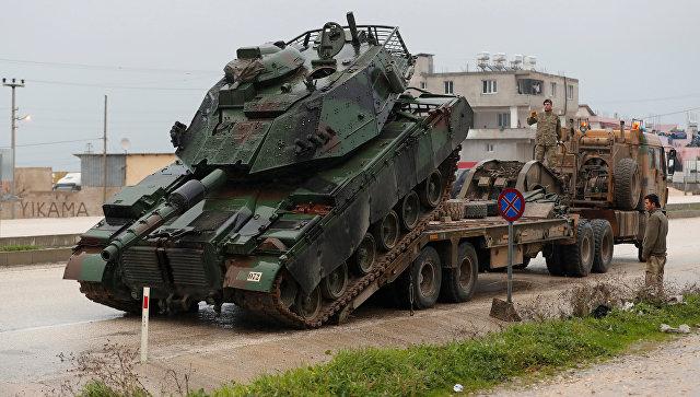 Танк турецкой армии недалеко от турецко-сирийской границы в провинции Хатай. 17 января 2018