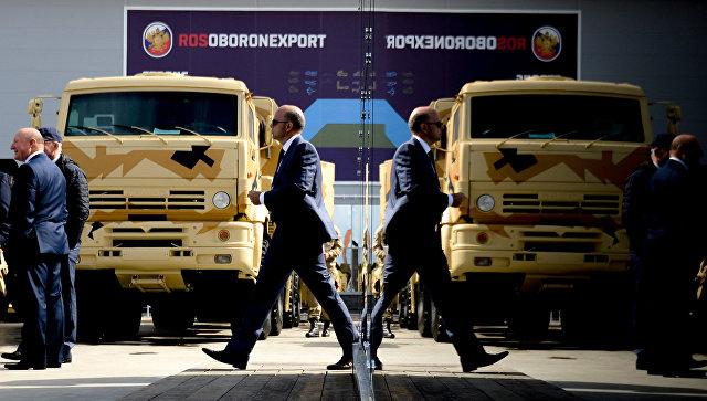 Стенд ОАО Рособоронэкспорт на форуме Армия. Архивное фото