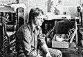 Михаил Барышников в своей московской квартире перед отъездом в США