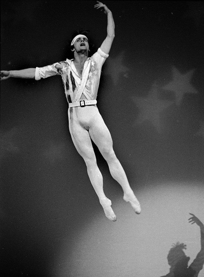 Михаил Барышников во время генеральной репетиции балета Элиота Фельда в Нью-Йорке, 1977 год.
