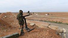Сирийский военнослужащий в Идлибе. Архивное фото