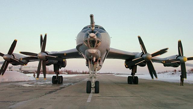 Противолодочный самолет Ту-142. Архивное фото