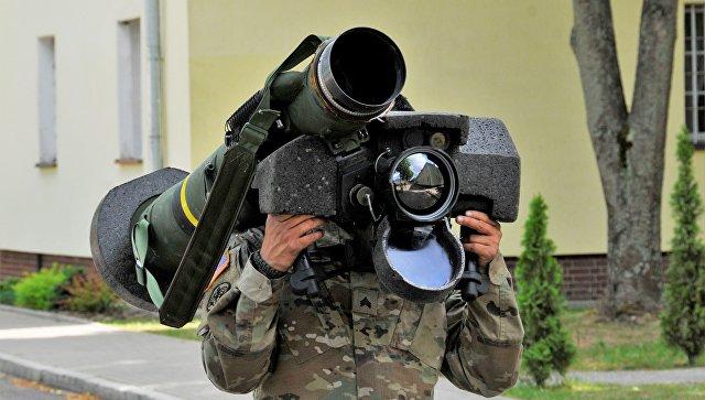Американский переносной противотанковый ракетный комплекс (ПТРК) Javelin. Архивное фото