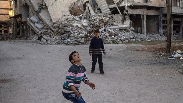 Российские военные доставили подарки детям беднейших районов Хомса