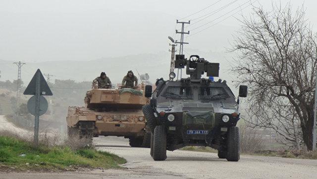 Анкара не ведет войну в Сирии, заявил премьер Турции