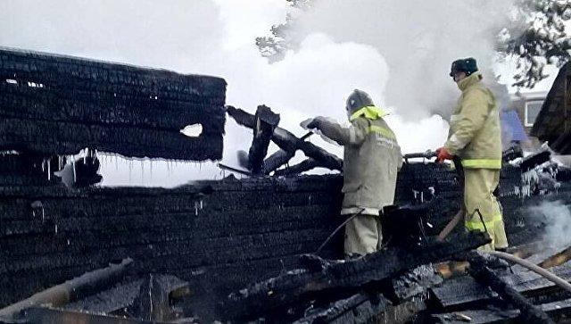 Четверо пострадавших впожаре натурбазе «Дарьяна» остаются в клинике Иркутска