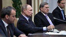 Владимир Путин во время встречи с представителями экономического совета Франко-российская торгово-промышленная палата. 31 января 2018