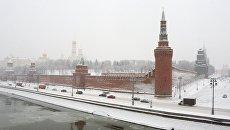 Кремль во время снегопада в Москве. Архивное фото