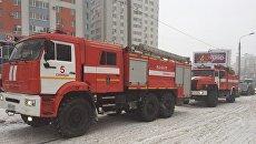 Пожарные на месте взрыва газового баллона в 17-этажном жилом доме, Самара. 5 февраля 2018