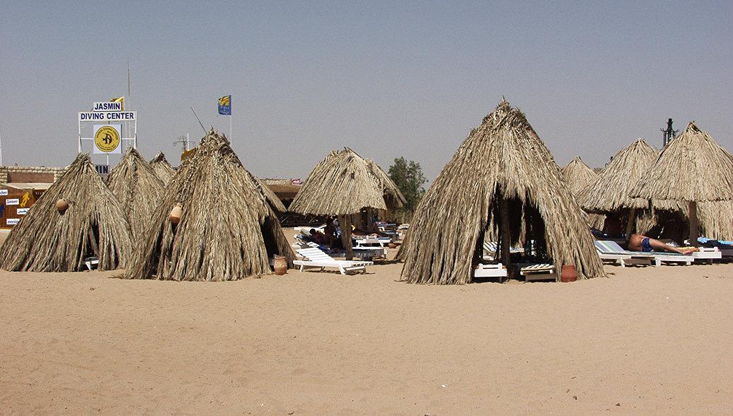 Пляж курорта Хургада в Египте. Архивное фото
