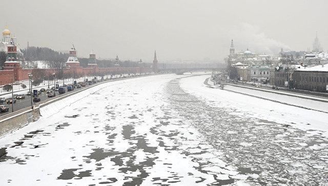 Сотрудники Росгвардии спасли пятерых москвичей, провалившихся под лед