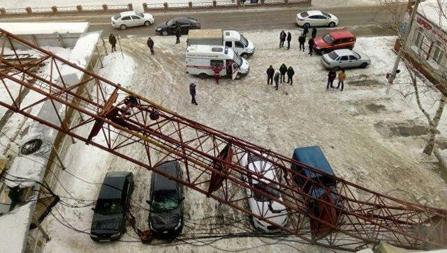 На месте падения крана в Добрянке. 19 февраля 2018