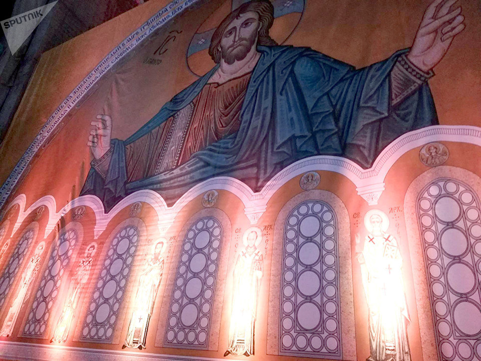 Вучич поблагодарилРФ за неповторимую мозаику водном изхрамов Белграда