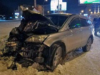 Последствия ДТП на Коммунальном мосту в Новосибирске. 23 февраля 2018