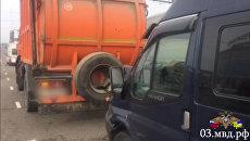 Последствия ДТП на улице Бабушкина в Улан-Удэ. 26 февраля 2018