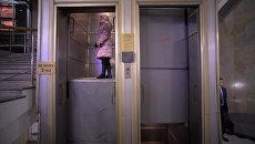 Вечные четки: как выглядит последний лифт патерностер в Москве