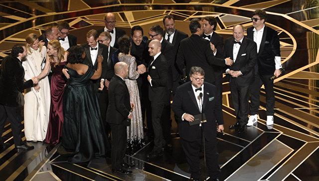 Гильермо дель Торо получил Оскар за лучший фильм. 05.03.18