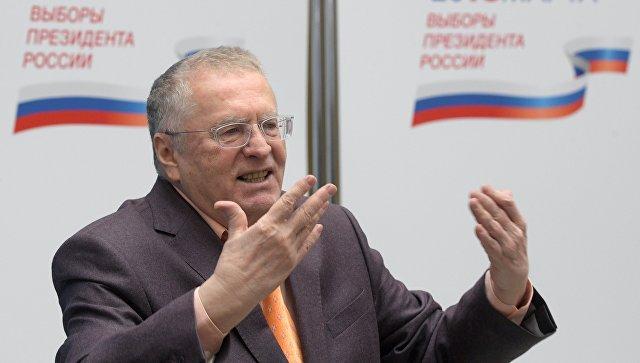 «Бомж сулицы»: Жириновский иСобчак снова поссорились