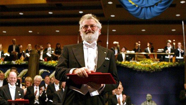 Умер британский генетик и нобелевский лауреат Джон Салстон