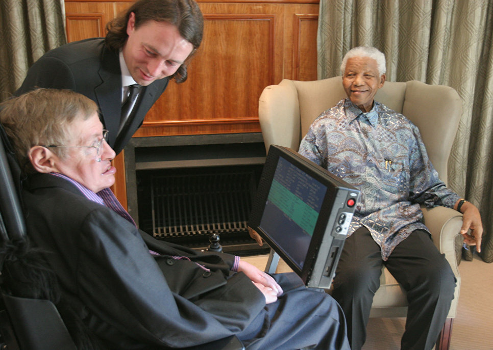Cтивен Хокинг и Нельсон Мандела во время встречи в Йоханнесбурге