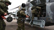 Военнослужащие во время тактико-специальных учений подразделения противовоздушной обороны воздушно-десантной дивизии в Краснодарском крае. Архивное фото