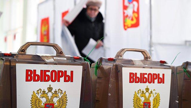 Урны на выборах президента РФ на избирательном участке в Москве. 18 марта 2018
