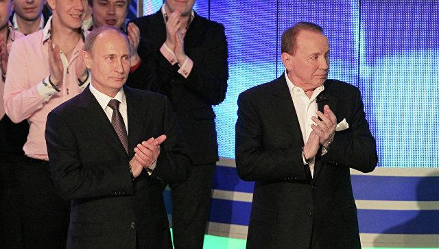 Президент В.Путин на открытии штаб-квартиры Планеты КВН. Архивное фото