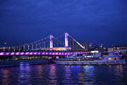 Теплоход на Москве-реке у Крымского моста